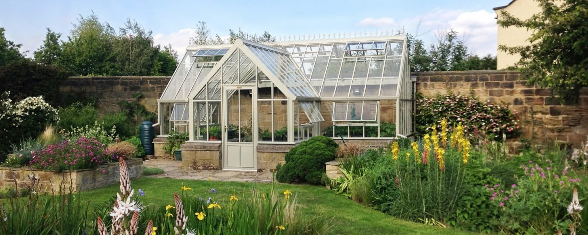 Bespoke 3 quarter lean to greenhouse