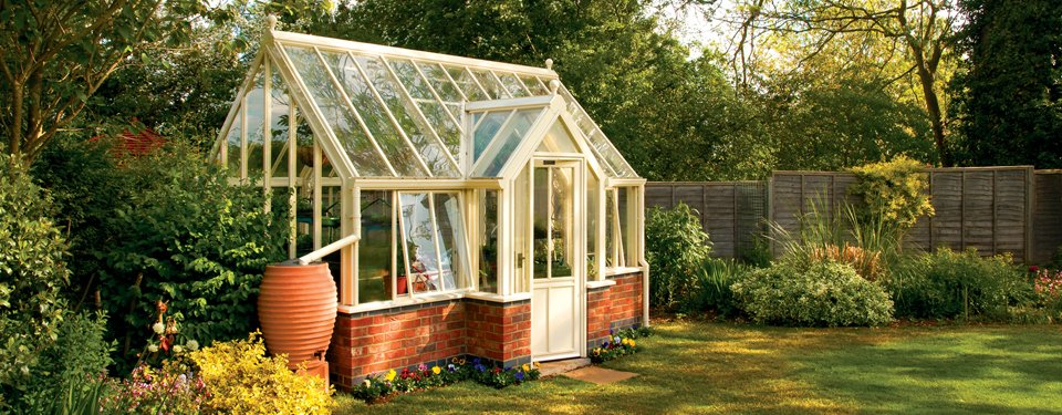 English victorian terrace greenhouses by hartley botanic for Victorian garden house